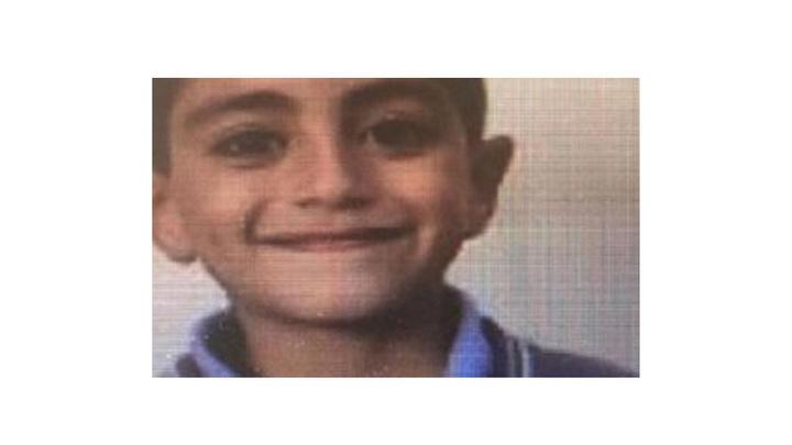 Kocaeli'de başı ağrıyan çocuk hastane yolunda hayatını kaybetti
