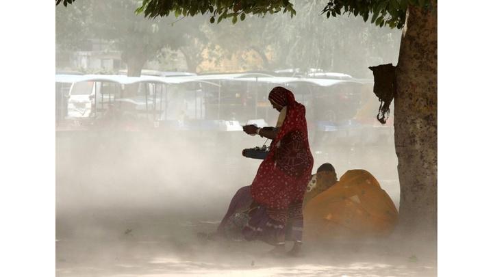 Hindistan'da aşırı sıcaklar yüzünden 92 kişi hayatını kaybetti