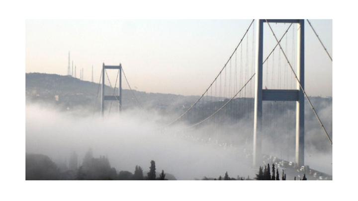İstanbul Boğazı güne sisli başladı