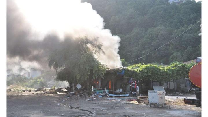 Zonguldak balıkçı barınağında meydana gelen patlamada 1  kişi yaralandı