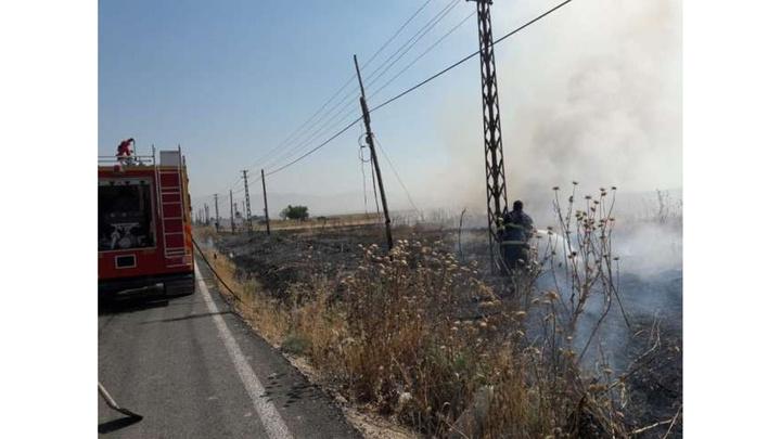 Mardin'de saman yangını köye sıçradı