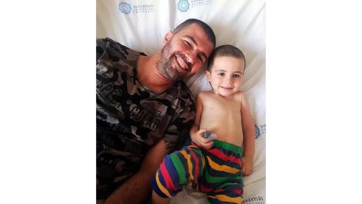 İzmir'de omuriliğinde tümör olan 2,5 yaşındaki Ayaz, ameliyatı bekliyor