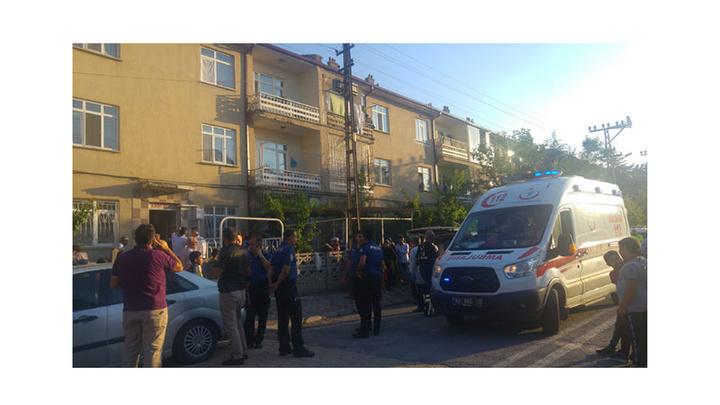 Konya'da 53 yaşındaki adam aşık olduğu 25 yaşındaki komşusunu öldürdü, annesi ve kız kardeşini yaraladı