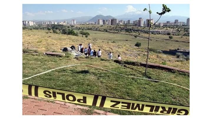 Kayseri'de çarpıp, şarampole yuvarladığı otomobilin sürücüsünü tabanca ile öldürüp kaçtı