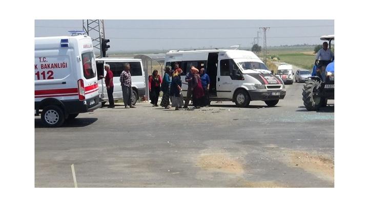 ANTAKYA'da minibüs ile otomobil çarpıştı: 6 yaralı