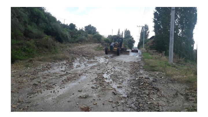 Manisa'da sağanak yağış sonrası belediyenin bakım ve onarım çalışması sürüyor