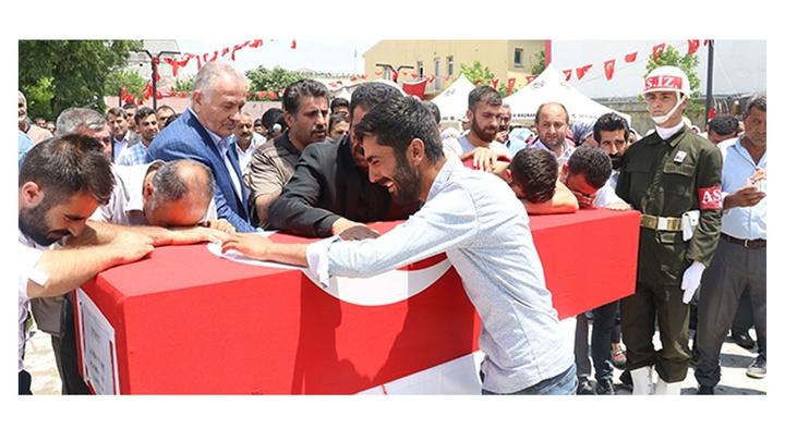 Şehit Astsubay Adem Tunç, memleketinde son yolculuğuna uğurlandı