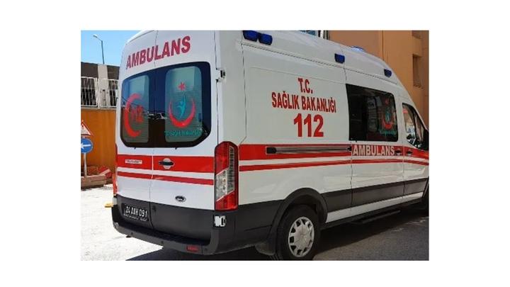 Erzincan'da otomobil şarampole uçtu: 1 ölü, 4 yaralı