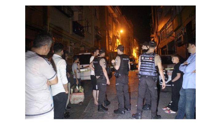 Beyoğlu'nda gece yarısı meydana gelen doğalgaz kaçağı mahalleyi sokağa döktü