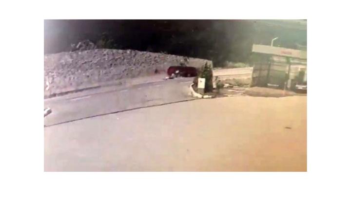 Zonguldak'ta 1'i ağır 5 kişinin yaralandığı kaza anını güvenlik kameraları kaydetti