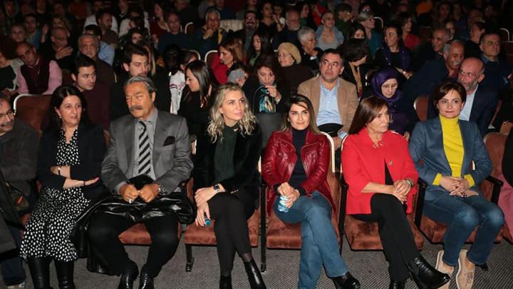 Tiyatronun arkasında saklanan gerçek! Mahmut Övür açıkladı