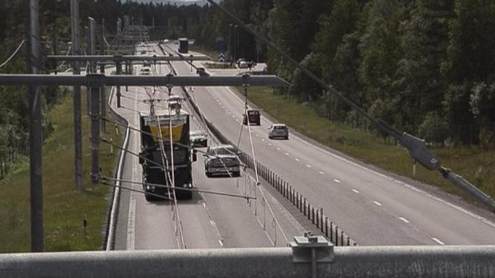 Dünyanın ilk elektrikli yolu İsveç'te kullanıma açıldı
