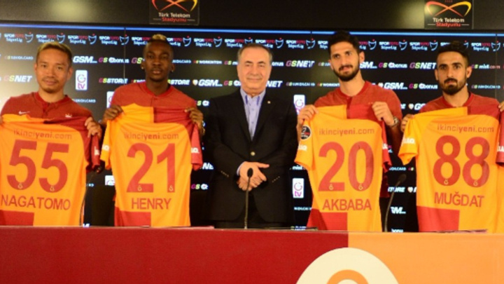 Galatasaray 13 futbolcu gönderdi 7 futbolcu aldı