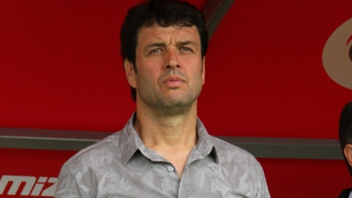 Cihat Arslan futbolculardan Efecan'ı örnek almalarını istedi