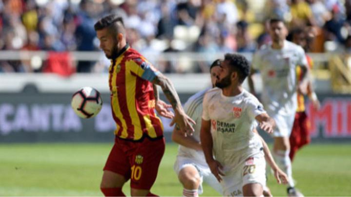 Evkur Yeni Malatyaspor - Demir Grup Sivasspor arasında gol düellosu: 4-4
