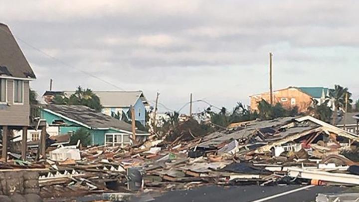 Micheal Kasırgası Florida kıyılarını hayalet kente çevirdi