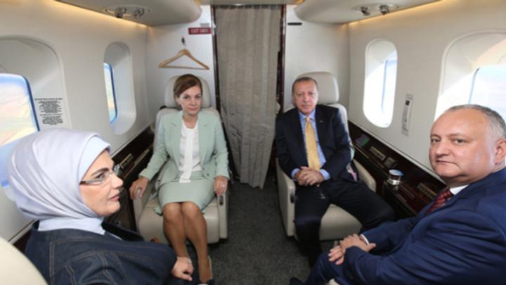 Gagavuzya'da Cumhurbaşkanı Erdoğan'a coşkulu karşılama
