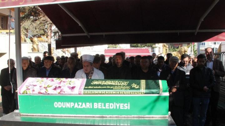 Asırlık 'Ayşe Nine' hayatını kaybetti
