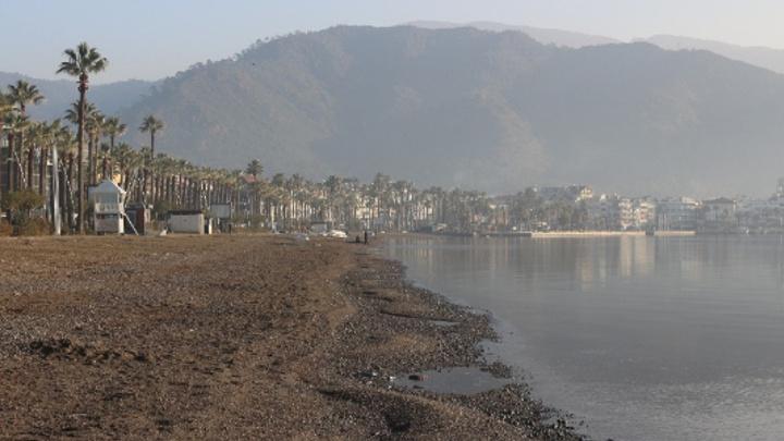 Marmaris'te denizin 20 metreye kadar çekilmesi endişeye neden oldu