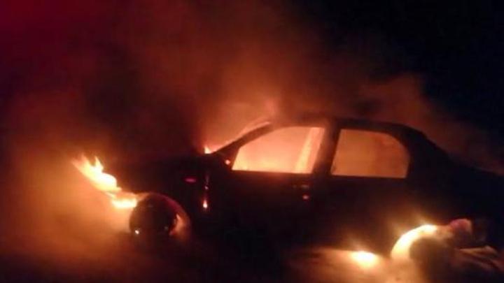 Gaziantep'te seyir halindeki otomobil yandı