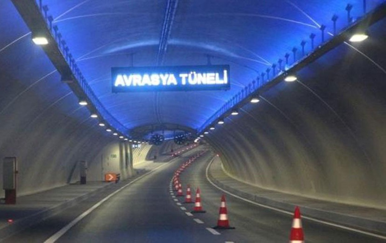 Avrasya Tüneli geçiş ne kadar kredi kartı ile ödeme yapılıyor mu?